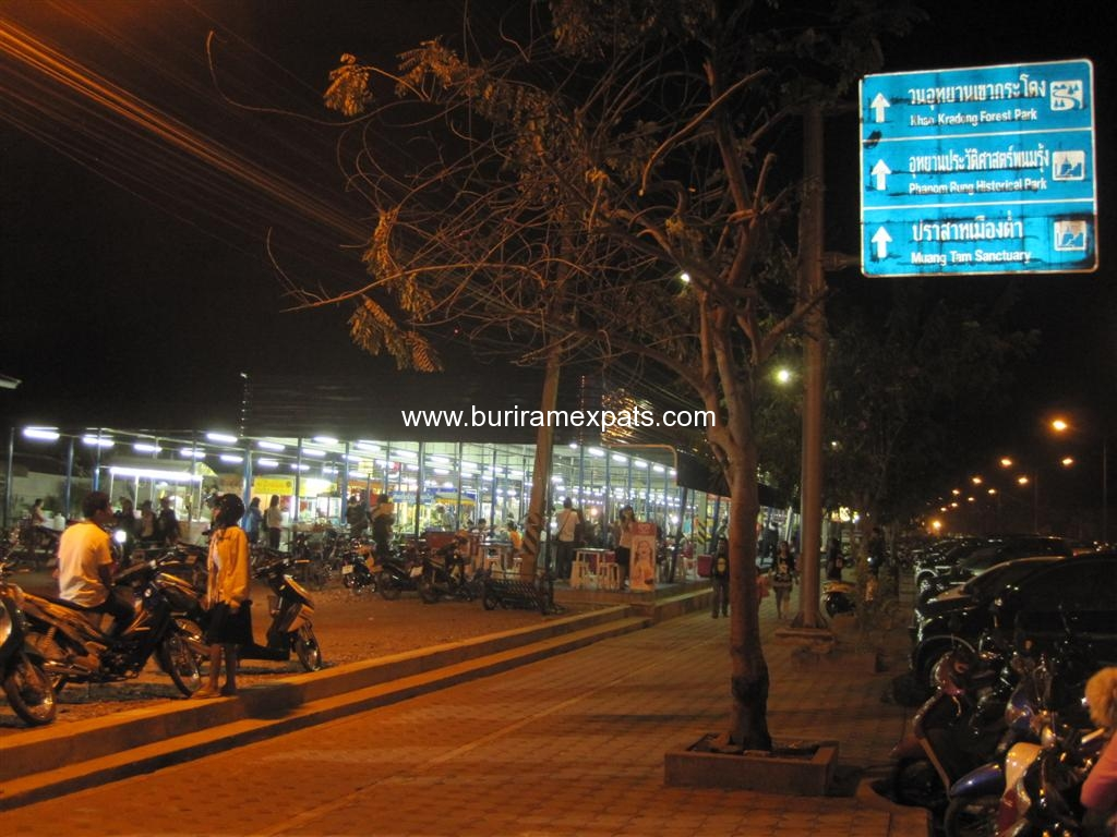 bu-square-shopping-buriram1