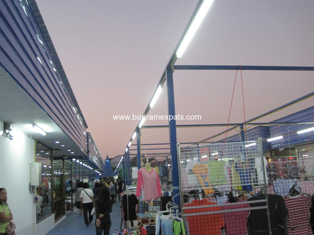 bu-square-shopping-buriram4