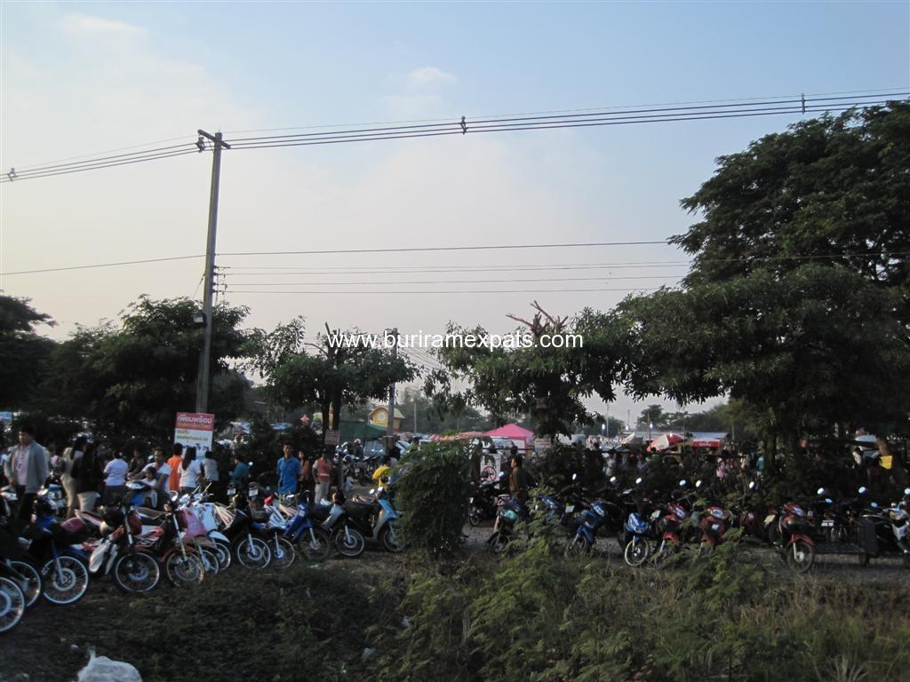 klong-tom-market-buriram1