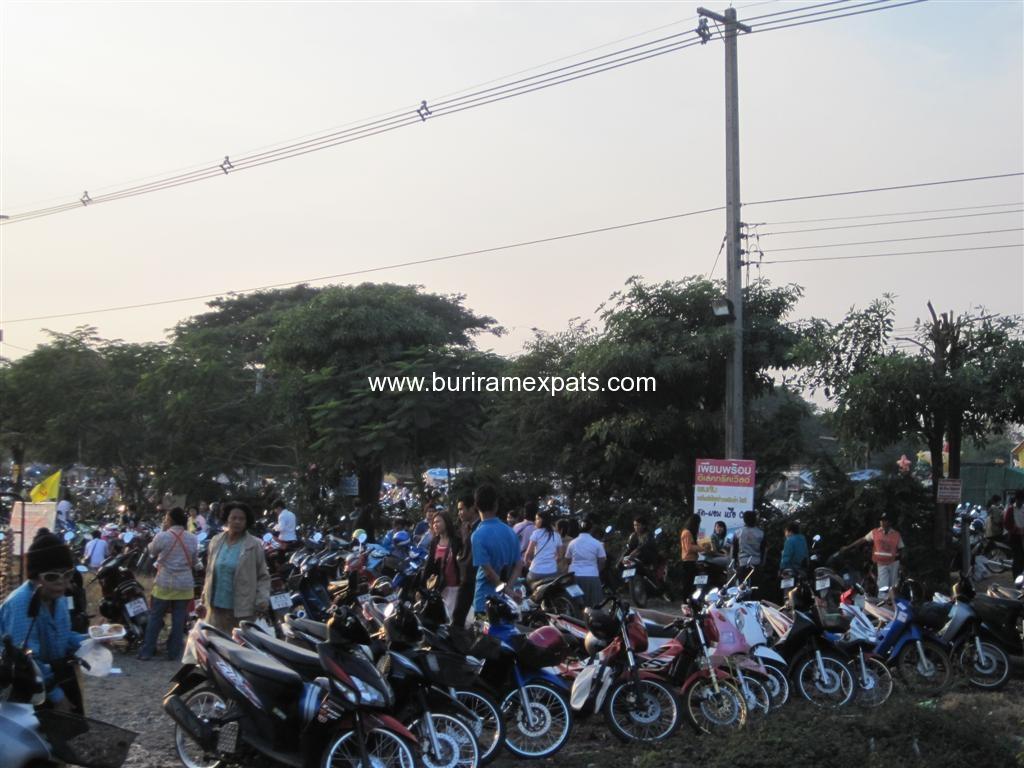 klong-tom-market-buriram2