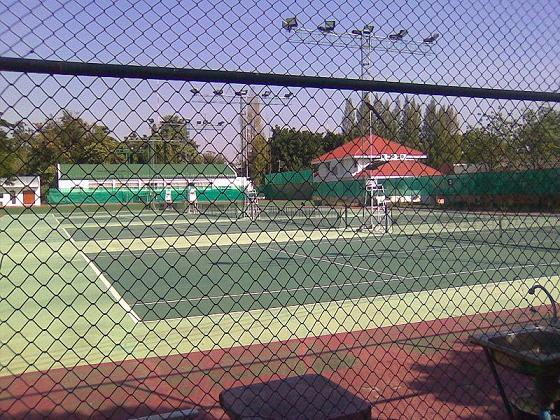 Lahan Sai Thailand  city photos gallery : Well built tennis court. Great place to place tennis!